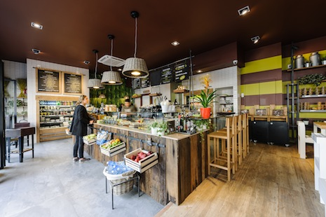 Costa group presenta le insalaterie pret manger mixer for Costa group arredamenti