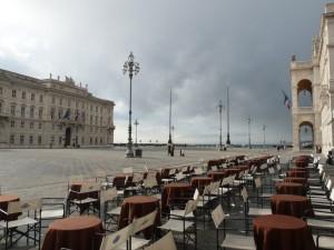 Piazza_Unità_d'Italia_-_caffé_degli_Specchi