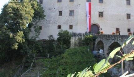 Castel-Katzenzungen-a-Prissiano