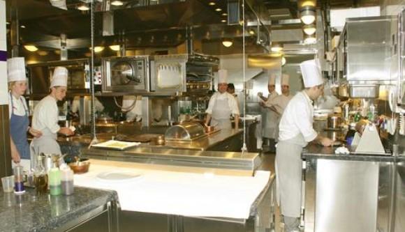Ristoranti il momento di fare pulizia - Pulizia cucina ristorante ...