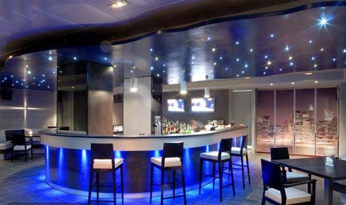 L arredo di bar ristoranti alberghi mix tra design e for Immagini design