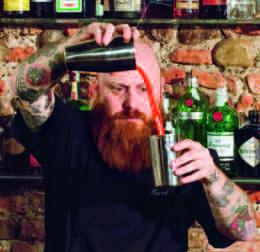 """Franco """"Tucci"""" Ponti, barmanager dell'Atomic Bar di Milano"""