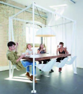 FUNNY SWING TABLE 2