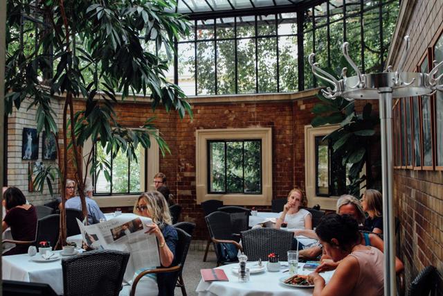 pane e cultura un raffinato giardino d inverno berlinese mixer planet. Black Bedroom Furniture Sets. Home Design Ideas