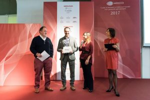 premiazione-diego-rossi_premio-birra-in-cuina-bm_guida-identita-golose