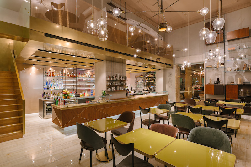Glamour gourmet experience outlet di vicolungo si allea for Arredamento bistrot