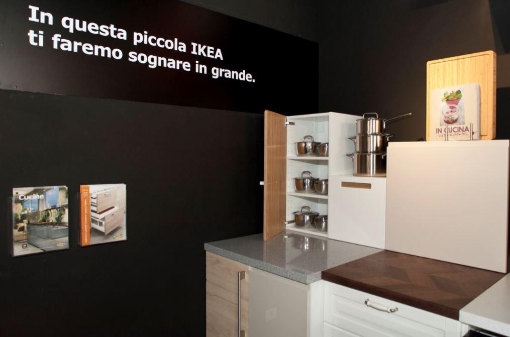 Ikea Apre Il Primo Pop Up Store A Roma Spazio Alla Cucina Mixer