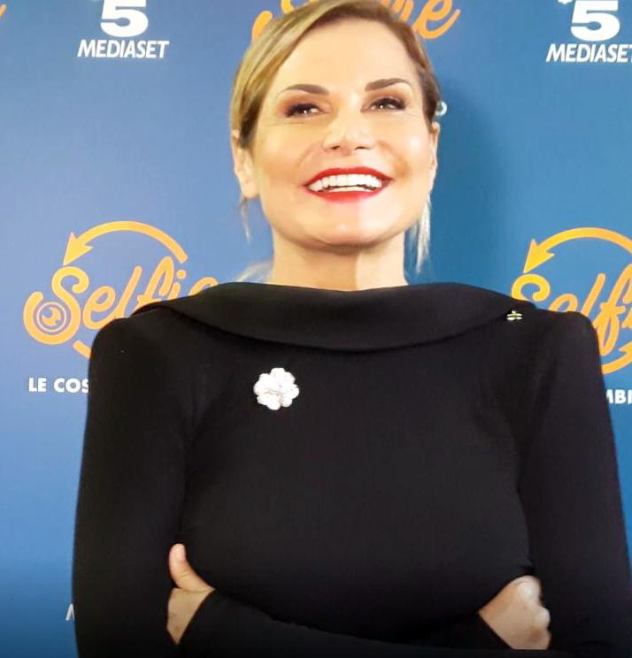 Selfie anticipazioni news e gossip, anche Belén nel cast di Simona Ventura!